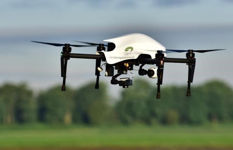 drones-zoeken-vogelnesten-in-weiland-e1521904654552